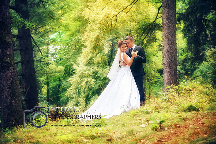 Wedding photography in a beautiful forest setting.